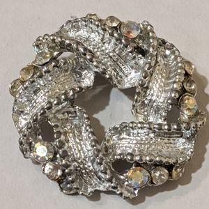 Jewelry - Silver Tone Brooch